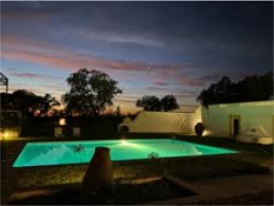 Nova Guesthouse do Alentejo: Rosa Estates- A Farmhouse & Stables, fica na zona de Monforte